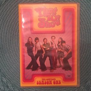 """Accessories - 😎 3 for $10‼️ Season 1 """"That 70's Show"""" DVD set"""